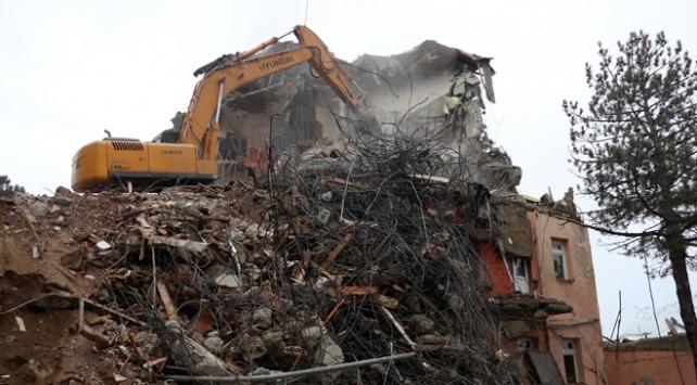 Elazığda ağır hasarlı 72 bina için yıkım kararı