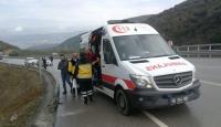 İznik-Yenişehir yolunda tır şarampole devrildi