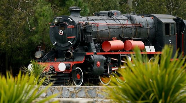 Kara trenler İzmirde ziyaretçilerini bekliyor