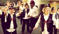 Emekliler dans grubu: Parlak Şapkalılar