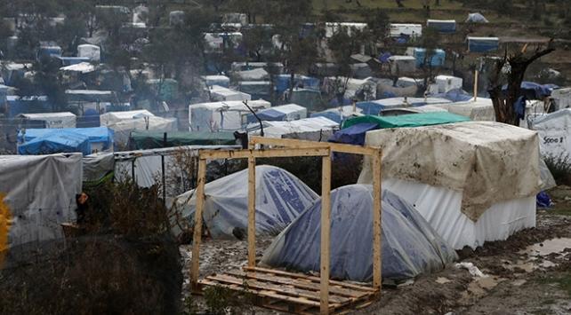 BMden Yunanistana: Zor koşullarda yaşayan göçmenler tahliye edilmeli