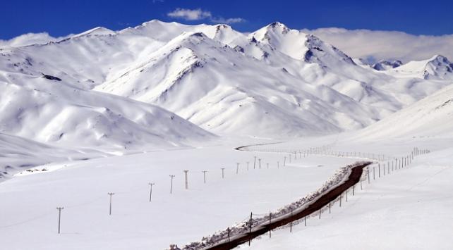 Sivasta kar nedeniyle 290 köy yoluna ulaşım sağlanamıyor