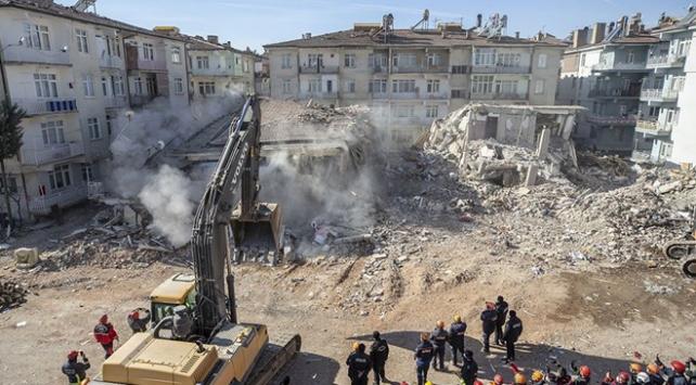 Deprem bölgesinde 201 binanın yıkım işlemleri tamamlandı