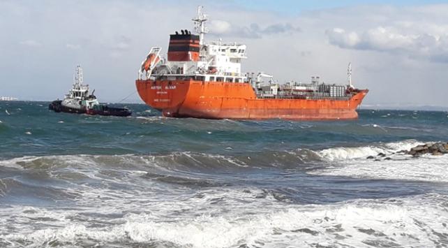 Yalovada petrol tankeri karaya oturdu