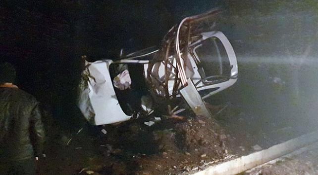 Hatayda otomobil elektrik direğine çarptı: 1 ölü, 3 yaralı