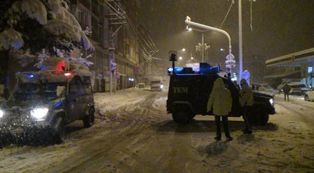 Bitliste yollarda mahsur kalan 400 kişi misafirhanelere yerleştirildi
