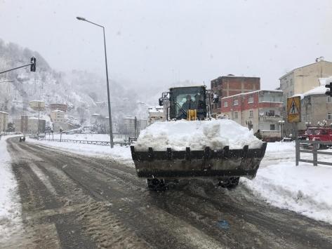 Yağlıderede kar yağışı etkili oluyor