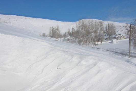 Bingölde kar nedeniyle 196 köy yolu ulaşıma kapandı