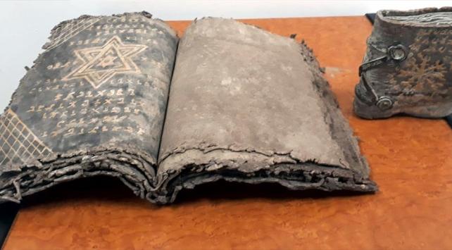 Sakaryada tarihi eser olduğu değerlendirilen 2 Tevrat ele geçirildi