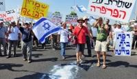 İsrail'de Kriz Protestoları Sürüyor