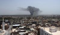 Kaddafi'nin Bulunduğu Düşünülen Bina Bombalandı