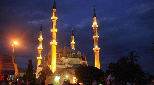 Selimiye Camiinde Çanakkale Şehitlerine dua