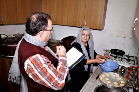Tarihçi profesör, peynir tatlıları için Anadoluyu karış karış geziyor