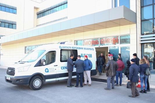 Antalyadaki trafik kazasında hayatını kaybeden kişiye otopsi yapıldı
