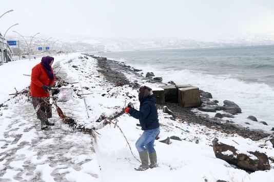 Karadenizde kar yaşamı olumsuz etkiliyor