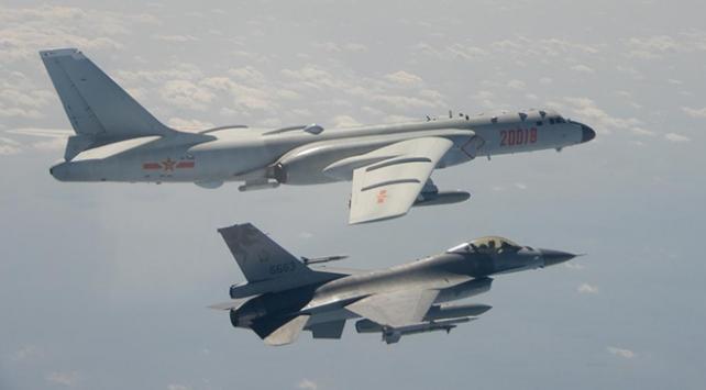 Tayvan, sınır hattını geçen Çin uçaklarını uzaklaştırdı