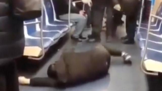 Metroda koronavirüs şakası yaptı, gözaltına alındı