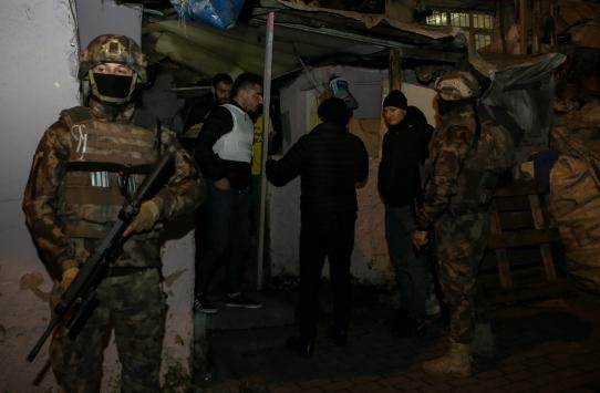 İstanbulda uyuşturucu operasyonunda 44 şüpheli gözaltına alındı