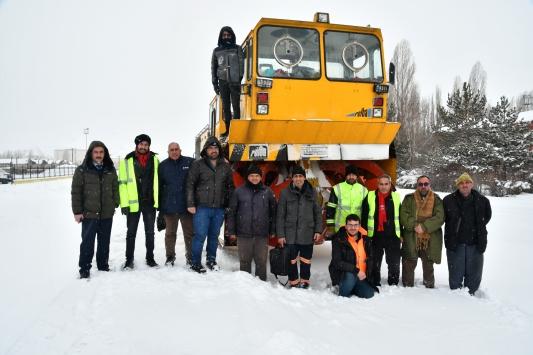 Demir yolunun kar savaşçıları 24 saat görev başında