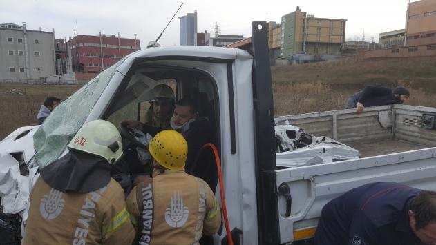 Avcılarda zincirleme trafik kazasında 2 kişi yaralandı