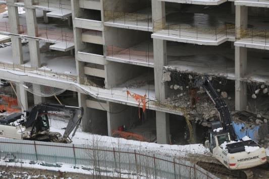 Orduda üst ölçekli yapıların yıkımına başlandı