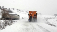 Çubuk'ta kar yağışı etkili oluyor