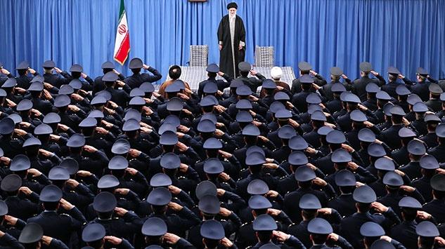 İran, devrimin 41. yılında da ekonomik kriz ve yaptırımların gölgesinde