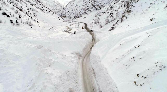 Van-Çatak kara yolu yeniden ulaşıma açıldı