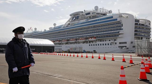 Japonyada karantina altındaki gemide Koronavirüs sayısı arttı