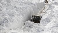 Sivas'ta kar nedeniyle 994 köy yolunda ulaşım sağlanamıyor