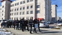 Yediemin otoparklarından araç çalan suç örgütüne yönelik operasyonda 9 kişi yakalandı