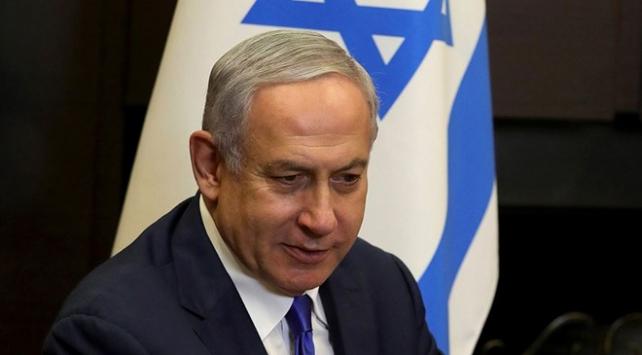 İsrail Başbakanı Netanyahu, koltuğunda kalmak için her yolu deniyor