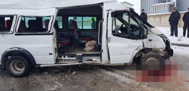 Yozgatta minibüs devrildi: 2 ölü, 3 yaralı