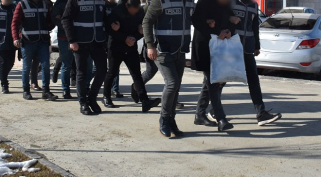 İstanbulda FETÖ operasyonu: 19 gözaltı