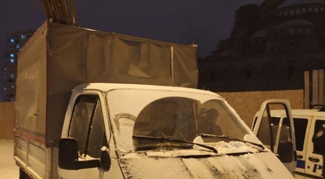 Cami inşaatından demir çaldığı iddia edilen 4 kişi yakalandı