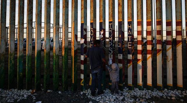 Pentagondan Meksika sınırına duvar için 3,8 milyar dolar