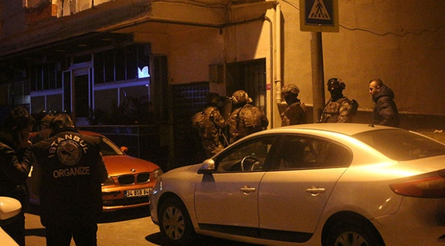İstanbulda silahlı suç örgütüne operasyon: Çok sayıda gözaltı var
