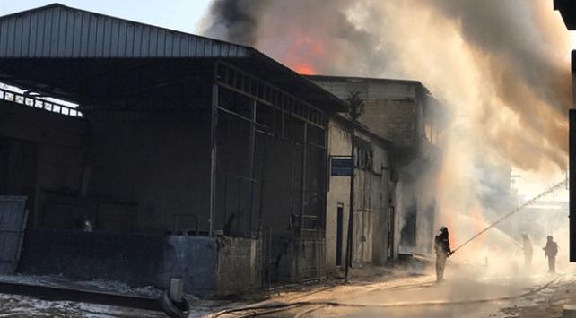 Gaziantepte kimya atölyesinde çıkan yangın söndürüldü