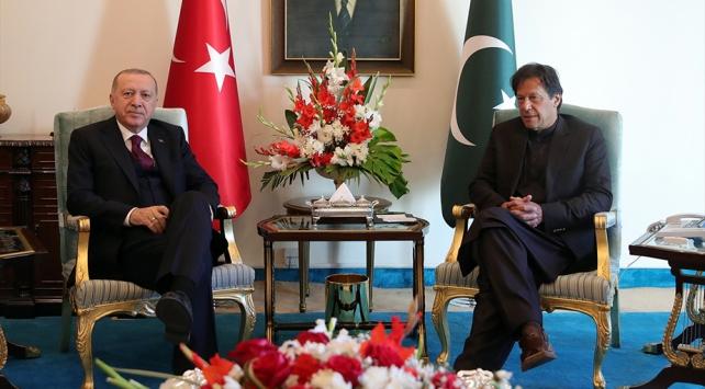 Cumhurbaşkanı Erdoğan, Pakistan Başbakanı Han ile bir araya geldi
