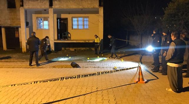 Adana'da silahlı kavga: 1 ölü, 2 yaralı ile ilgili görsel sonucu