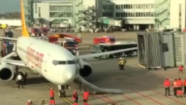 Düsseldorf'ta uçakta yangın paniği
