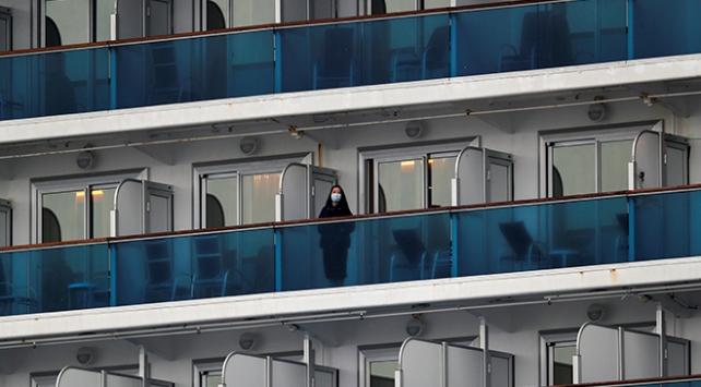 Japonyada karantinadaki gemide 70 kişide daha koronavirüs tespit edildi