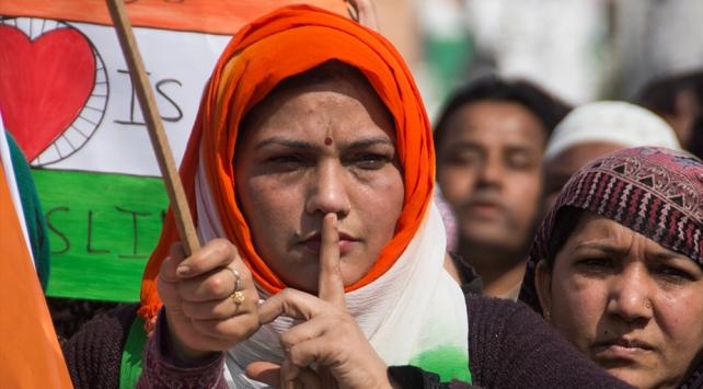Hindistanda Müslümanları dışlayan yasaya protestolar sürüyor