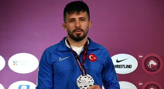 Milli güreşçi Süleyman Atlı finale yükseldi