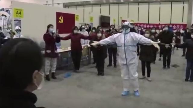 Wuhan'da Koronavirüs için inşa edilen hastaneden görüntüler yayınlandı