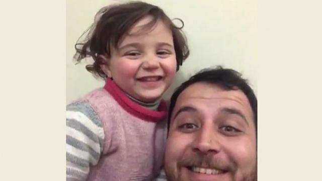 """İdlib'de minik Selva'nın """"Hayat güzeldir"""" filmini anımsatan savaş oyunu"""