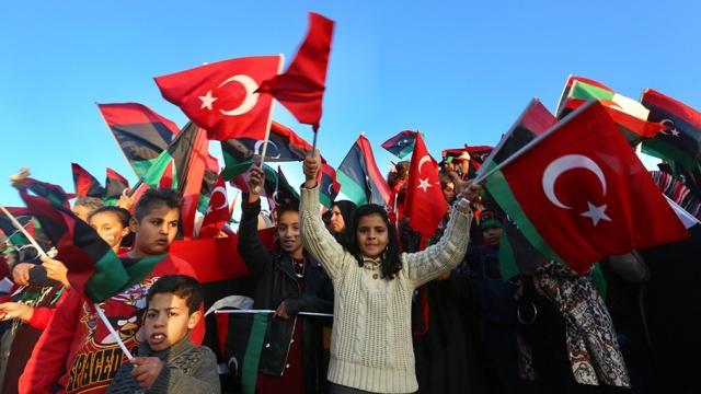 Libya'da Şehitler Meydanı'ndan Türkiye'ye teşekkür mesajları yağdı