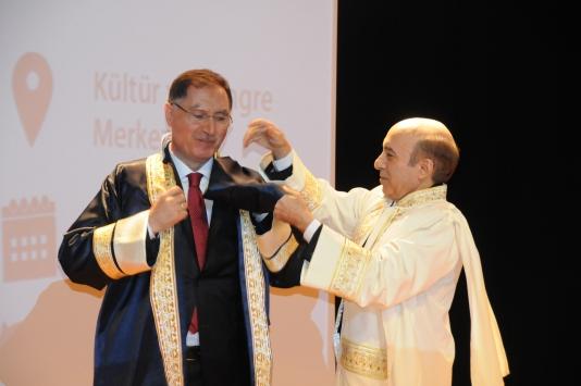 Kamu Başdenetçisi Malkoça Diyarbakırda fahri doktora unvanı verildi