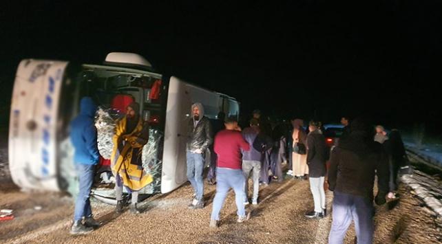 Kayseride yolcu otobüsü devrildi: 10 yaralı
