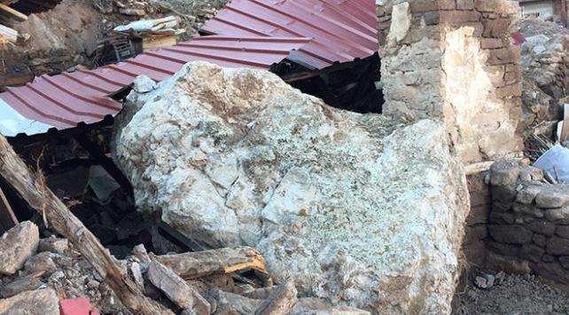10 tonluk kaya parçasından kıl payı kurtuldular
